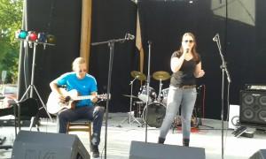 Mirjam acoustic